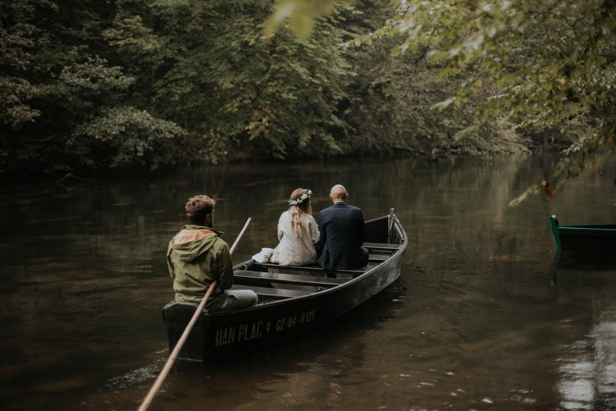 naturalna sesja ślubna na Krutyni